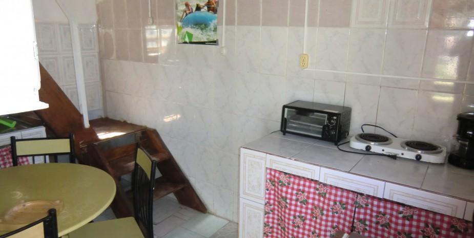 Imbabura 2 apartment - kitchen & dining area